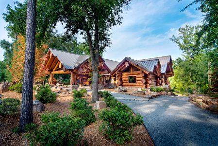 log-homes-and-cabins-pioneer